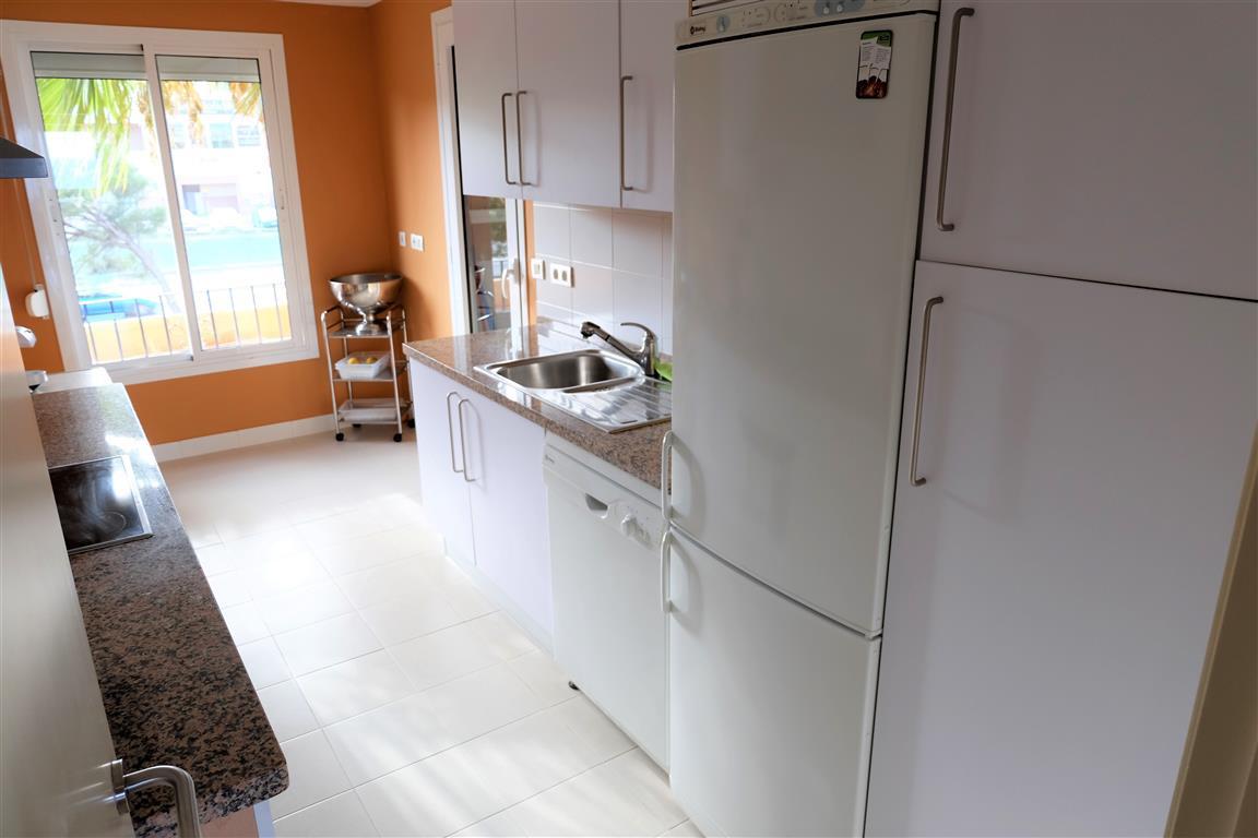 Apartamento con 3 Dormitorios en Venta La Duquesa
