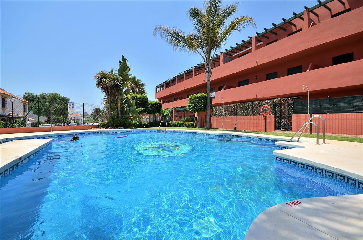 Lägenhet till salu i Casares Playa, Costa del Sol
