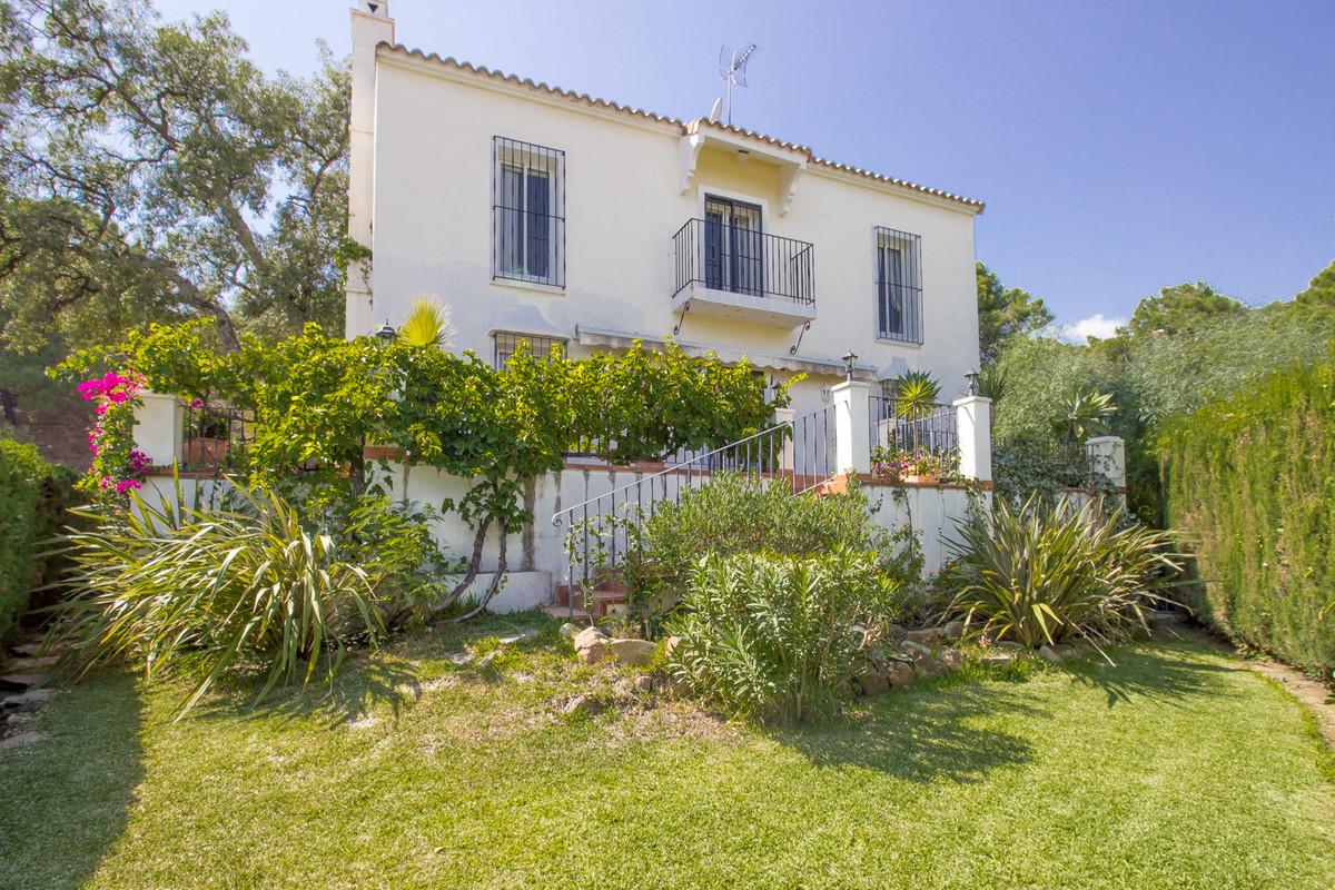 Villa for sale in El Madroñal, Costa del Sol