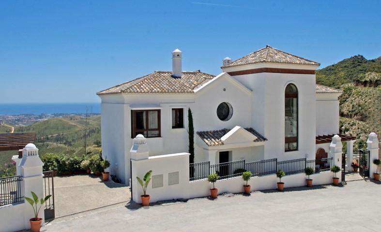 Townhouse for sale in Benahavís, Costa del Sol