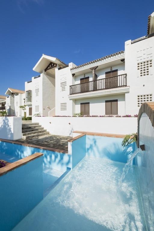 Apartment for sale in La Alcaidesa, Costa del Sol