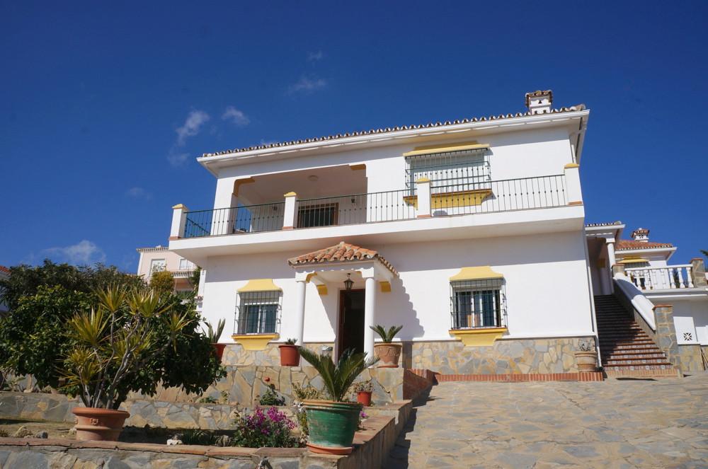 Villa for sale in Guadiaro, Costa del Sol