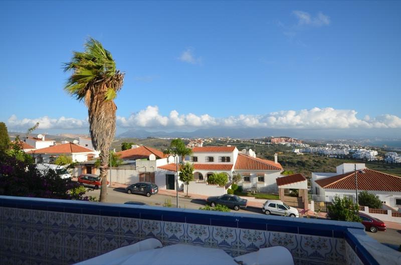 Lägenhet till salu i La Duquesa, Costa del Sol