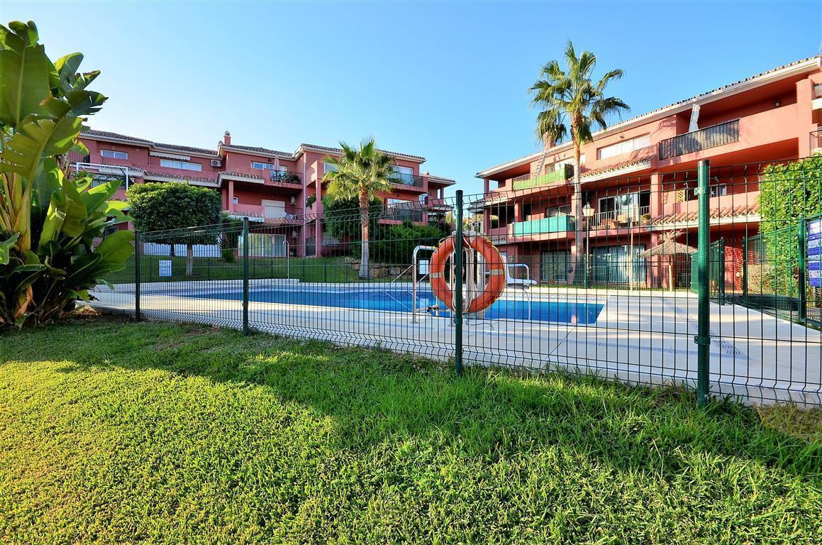 Apartment for sale in La Duquesa, Costa del Sol