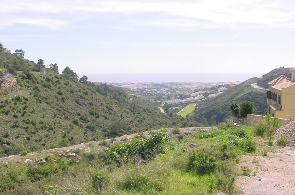 Plot/Land for sale in El Madroñal, Costa del Sol
