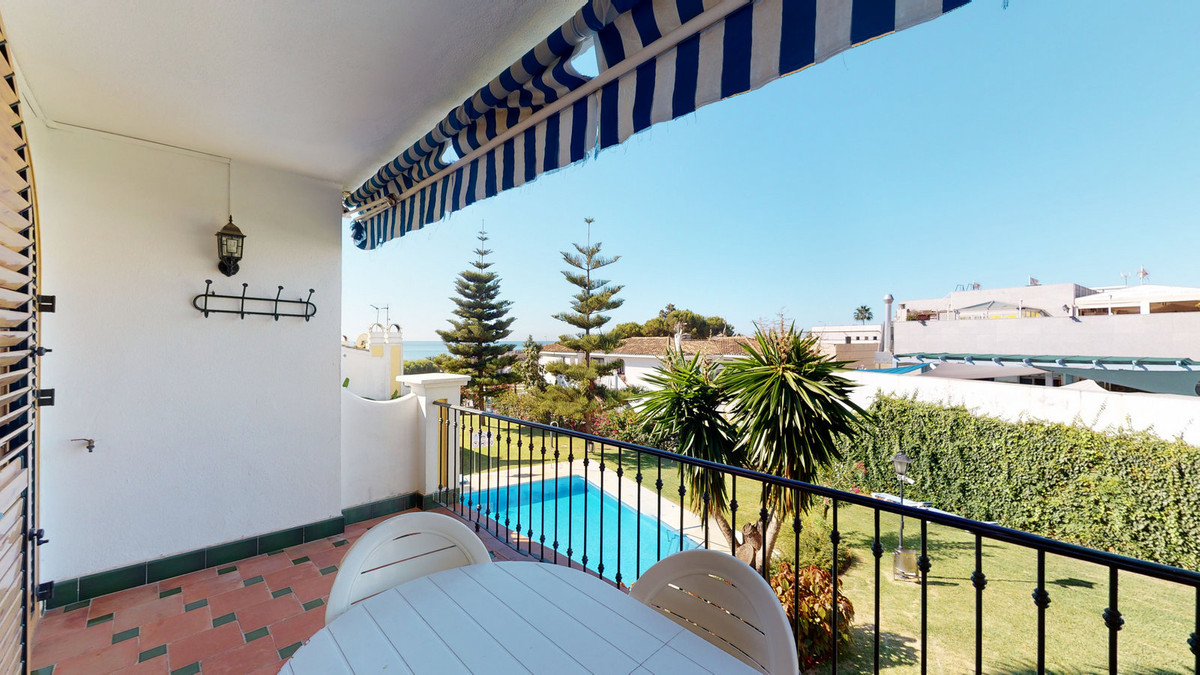 Beautiful apartment located a few meters from the beach, a highly sought after area. It consists of ,Spain