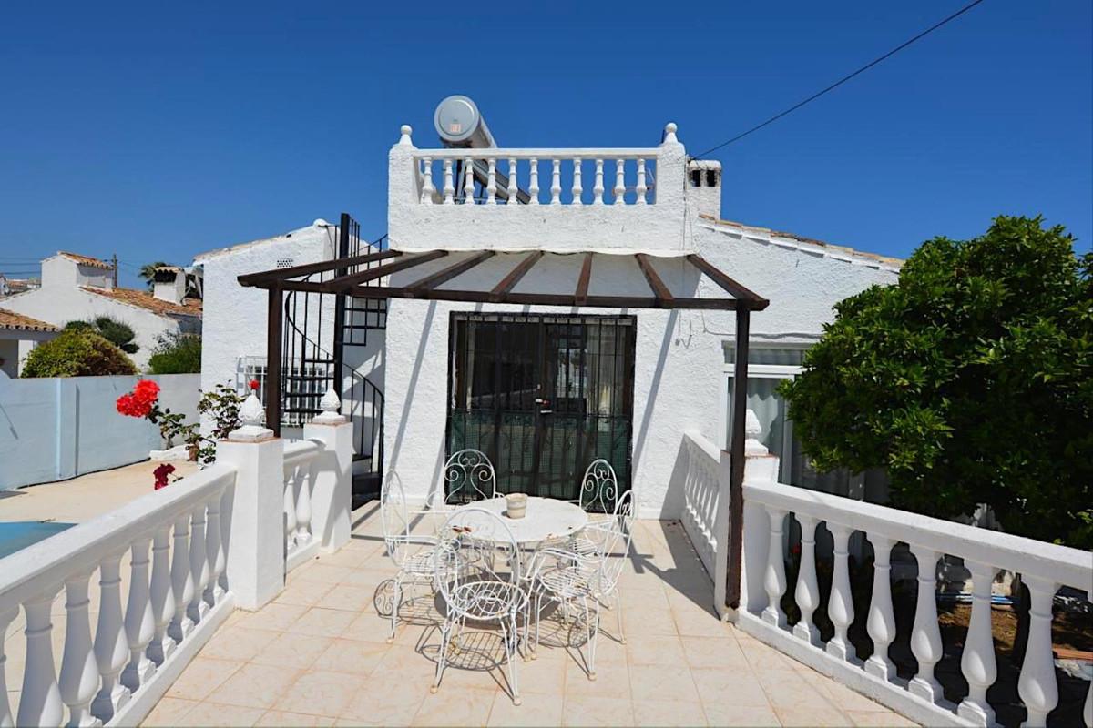 Villa con 4 Dormitorios en Venta Calypso