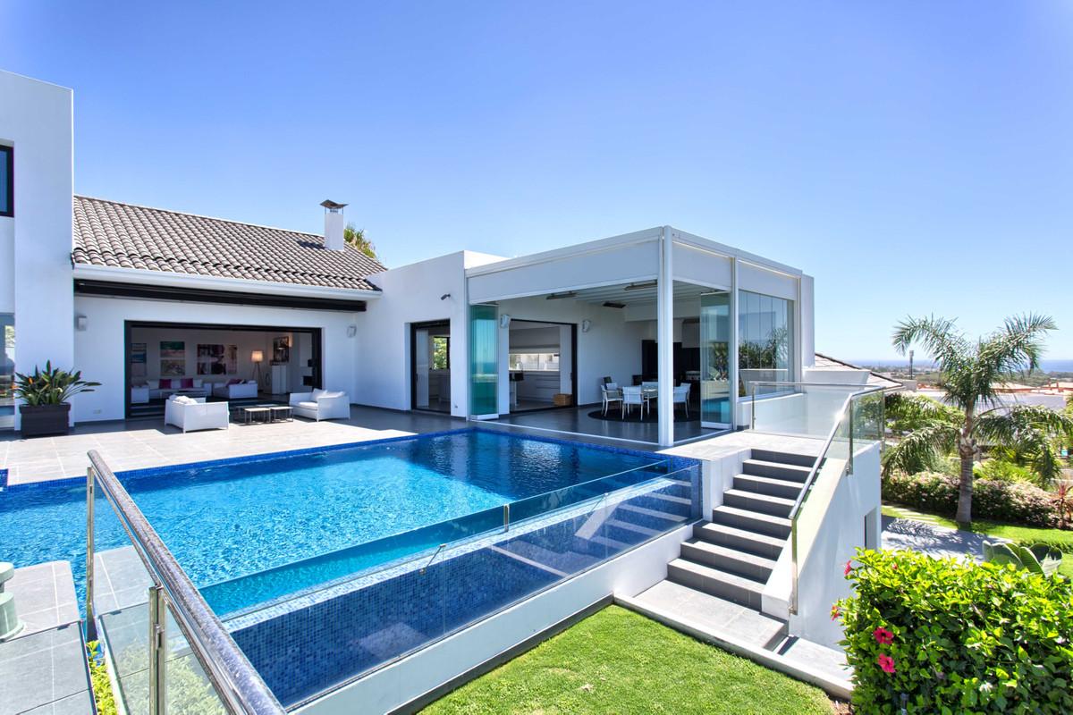 Detached Villa for sale in Benahavís R2883455