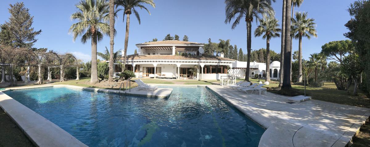 7 bedroom villa for sale los monteros