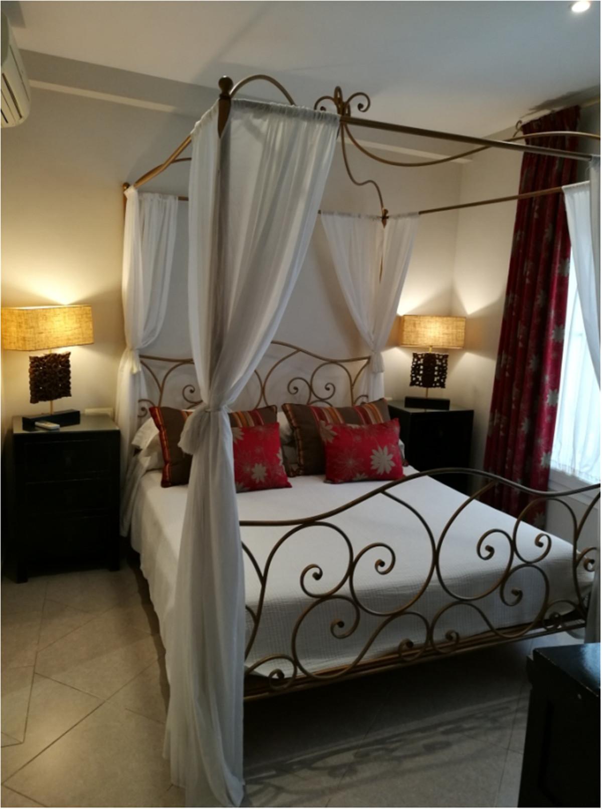 Apartament na parterze w Marbella R3358675