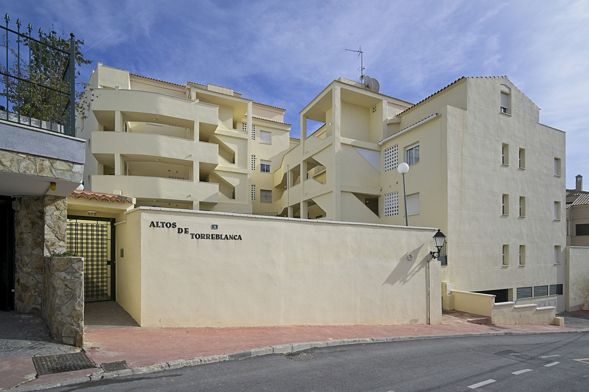 BANK REPO!!!! This duplex apartment is situated in upper part of Torreblanca. The property comprises,Spain