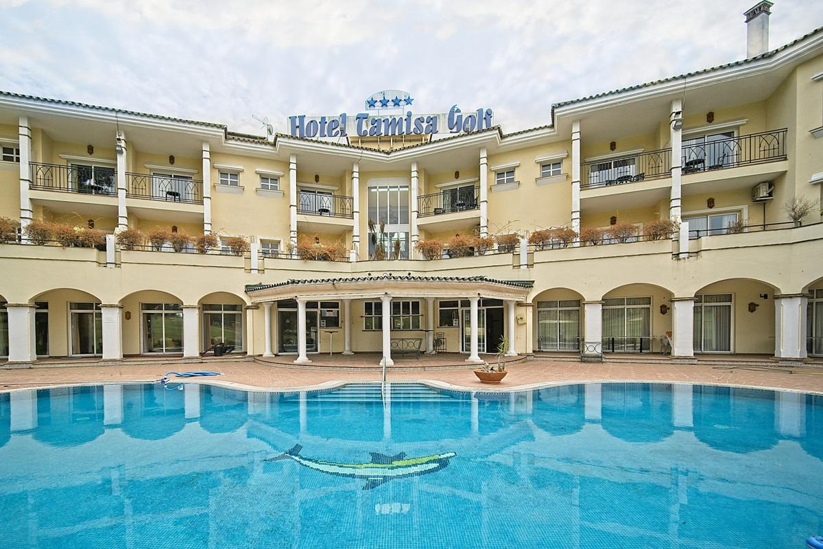 Hotel for sale in Mijas Golf R3743965