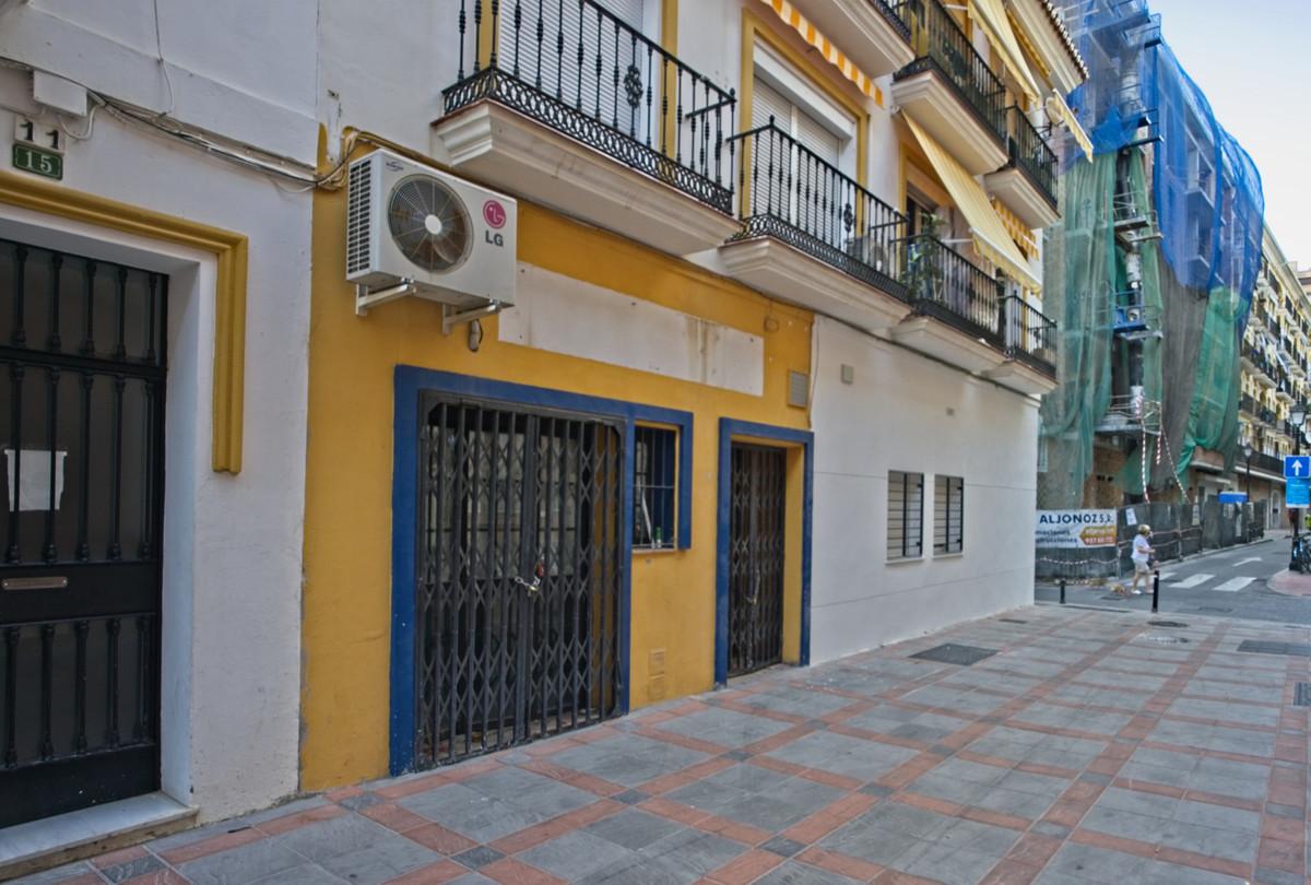 Commercial Commercial Premises Fuengirola Málaga Costa del Sol R3594283
