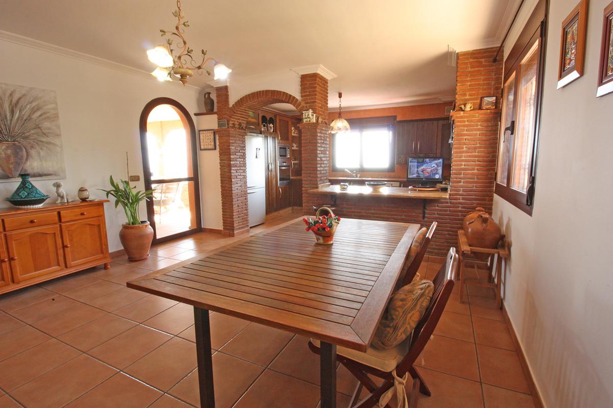 House in Alhaurín de la Torre R3686294 19