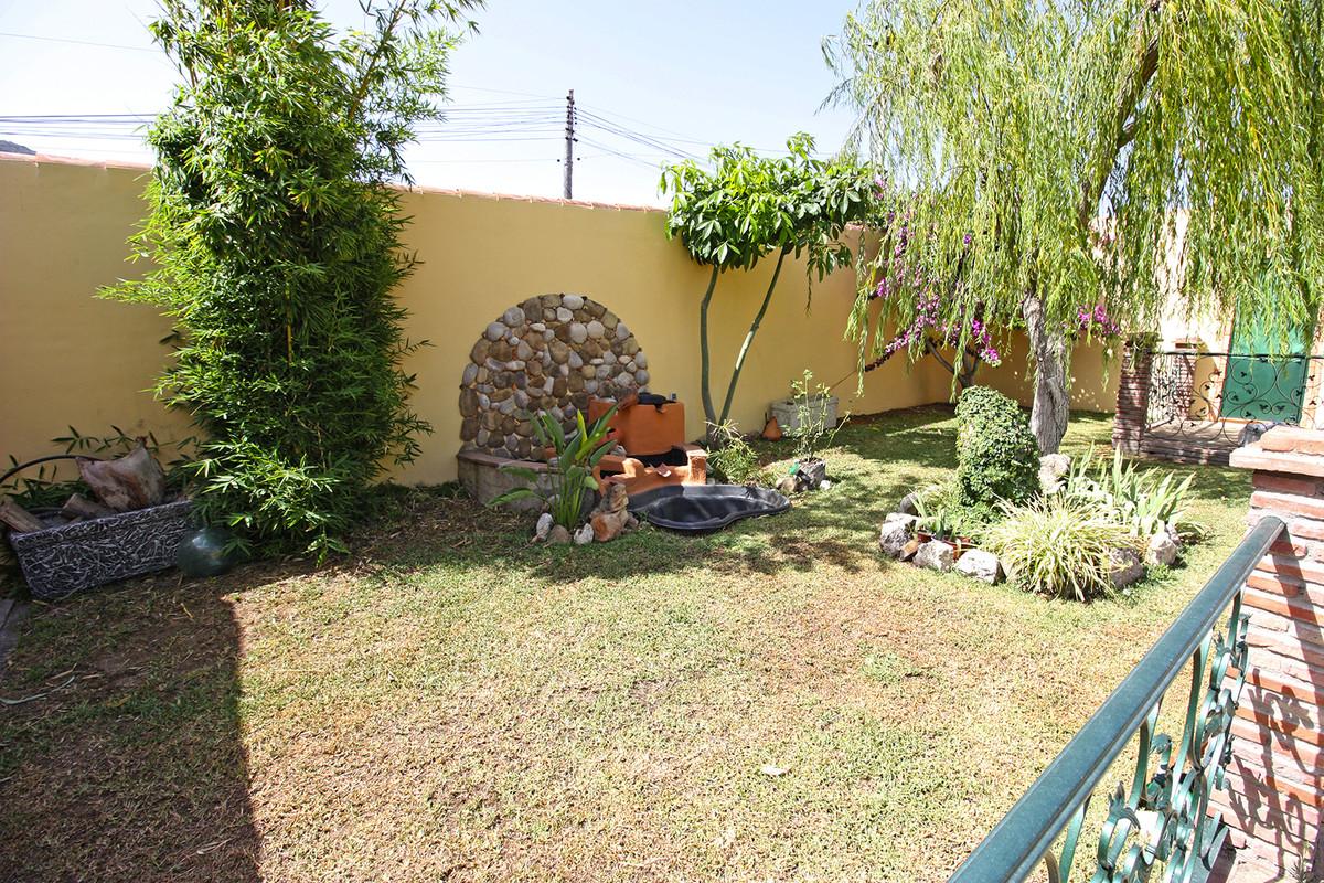 House in Alhaurín de la Torre R3686294 37