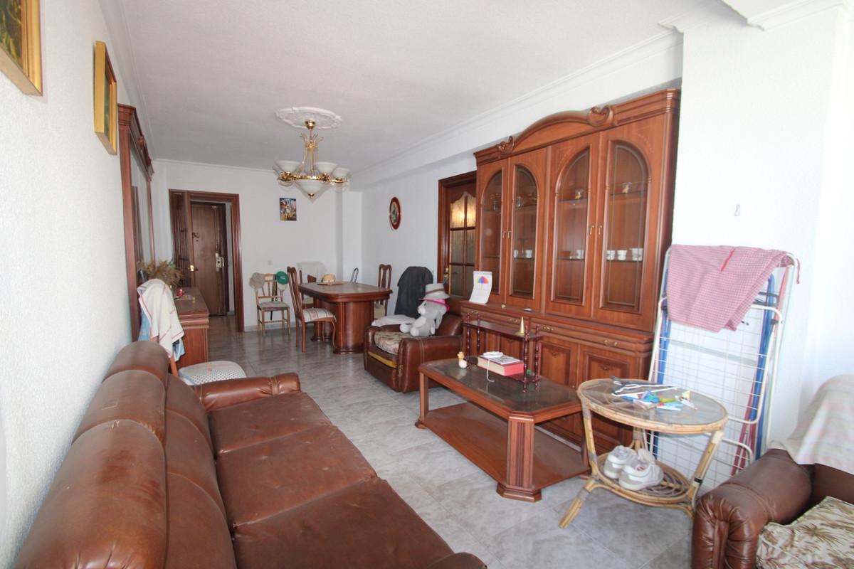 4 Bedroom Middle Floor Apartment For Sale Fuengirola