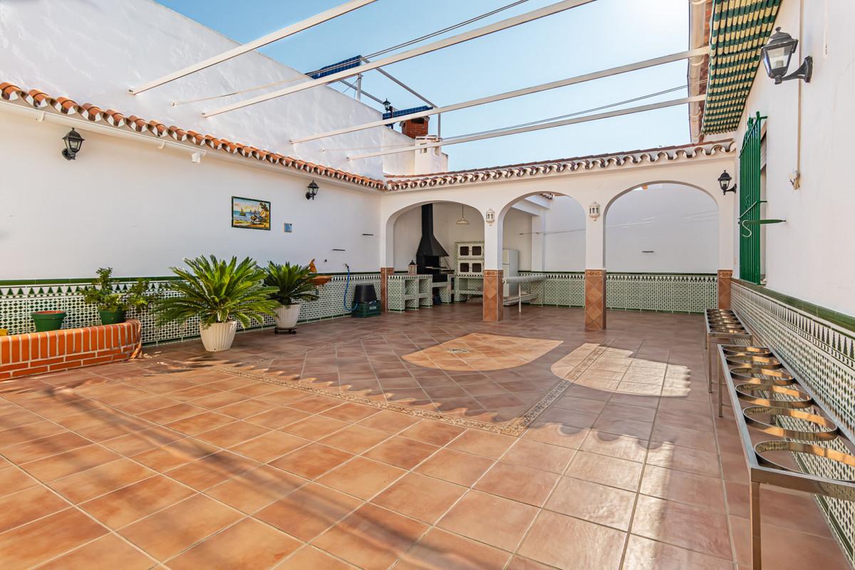 Villa  Detached for sale   in Fuengirola