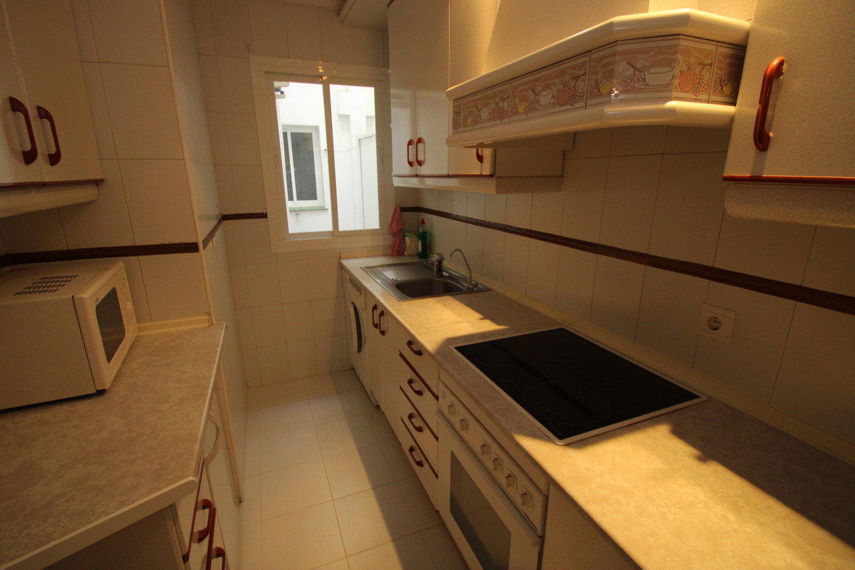 Apartment Middle Floor Fuengirola Málaga Costa del Sol R3394153 6