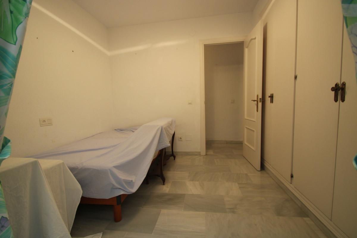 Apartment Middle Floor Fuengirola Málaga Costa del Sol R3394153 9