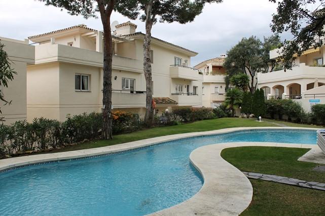 Apartamento con 3 Dormitorios en Venta Cabopino