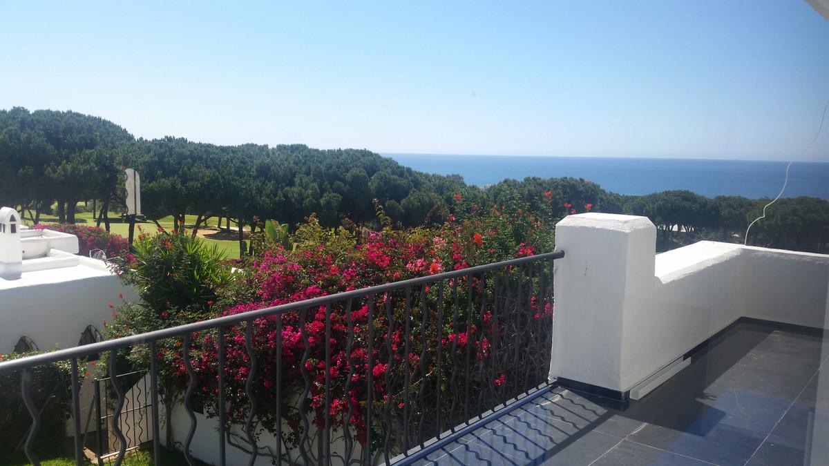 Villa te koop in Cabopino R3335929
