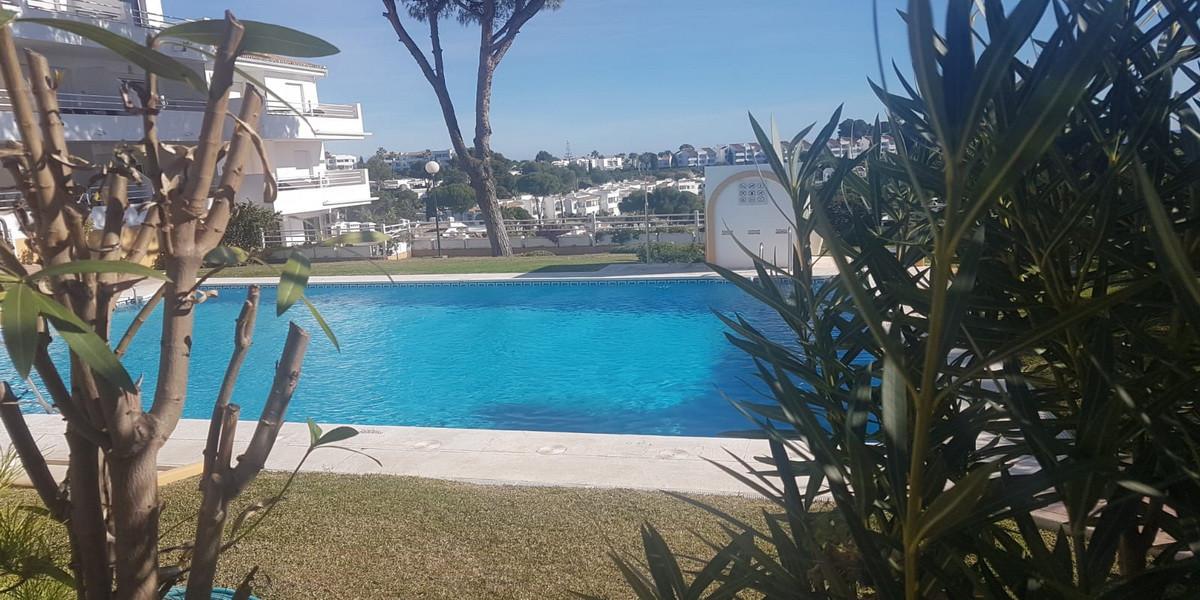 Colinas Del Mar,  ABSOLUTE BARGAIN !!  2 Bedroom - 1 Bathroom, Located in (Lower) Riviera Del Sol.  ,Spain