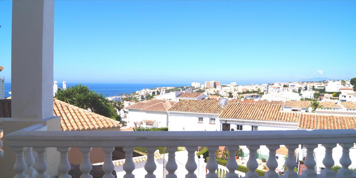 4 bedroom villa for sale miraflores