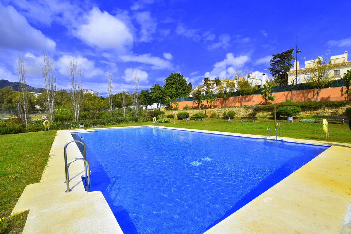 Amazing golf view !! Like living in the club.... This apartment is located at the best of Torremolin,Spain