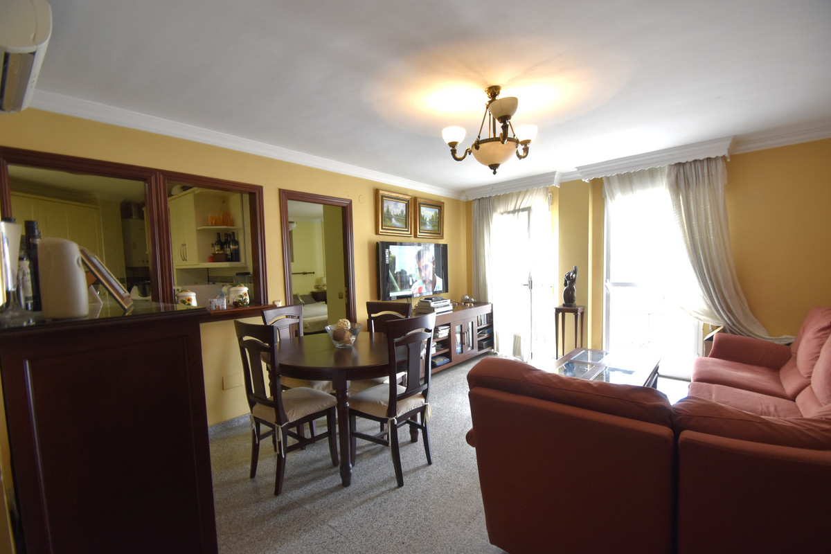 4 bedroom apartment for sale torremolinos
