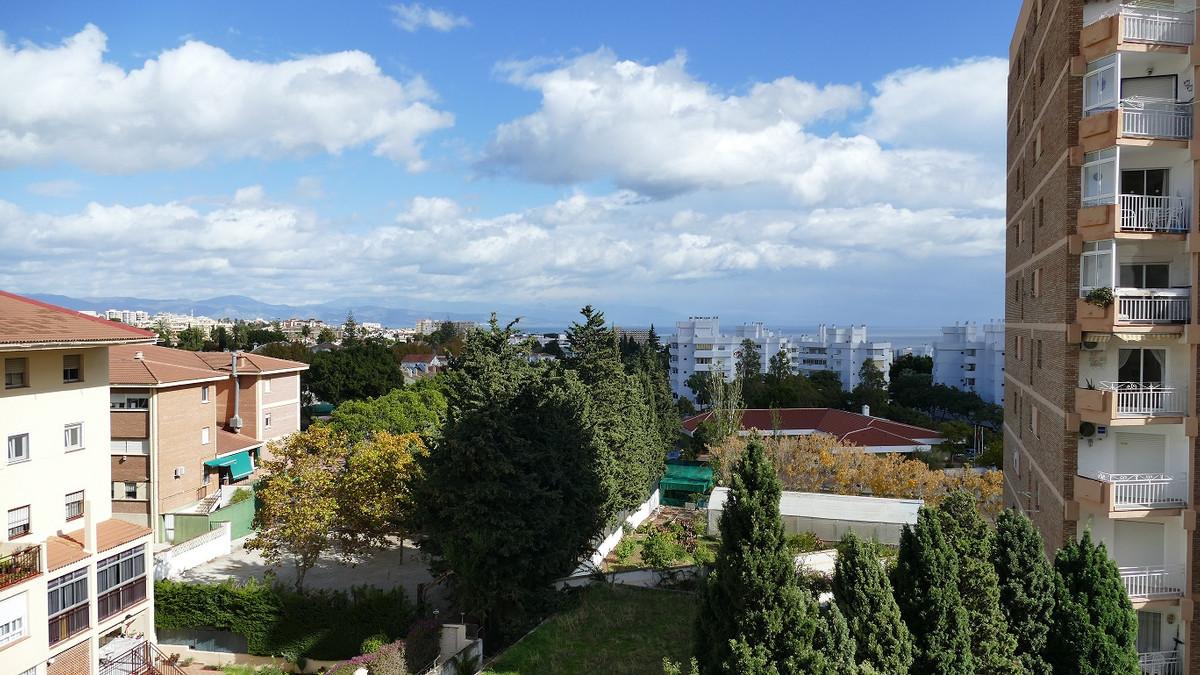 Arroyo de la Miel  (Edf Pisces) 6th floor apartment with views. Comprising of living room with Ameri,Spain