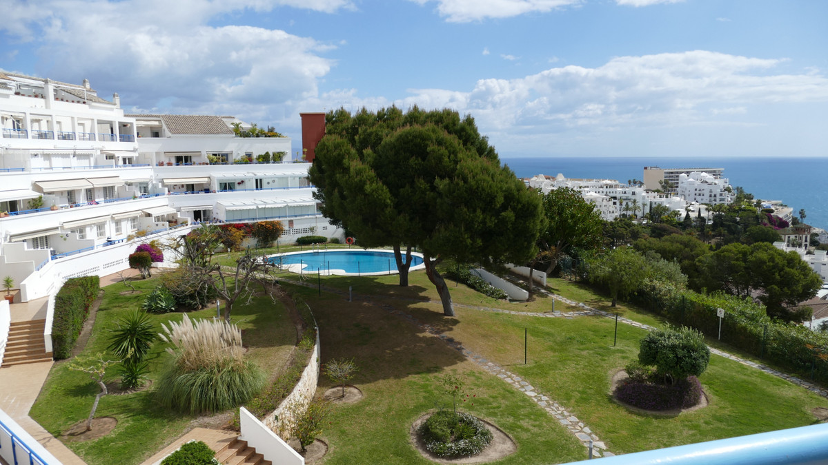 Stunning duplex top floor apartment in sought after urbanisation in the heart of Torremolinos. Four ,Spain