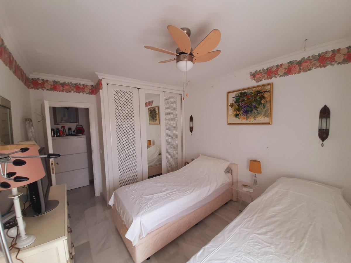 House in El Chaparral R3910588 10