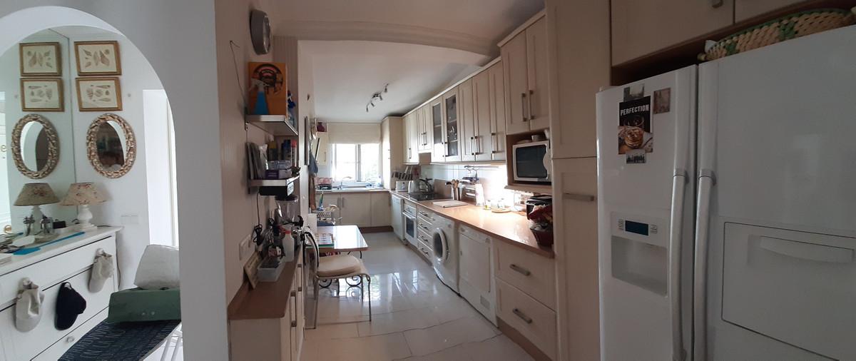 House in El Chaparral R3910588 2