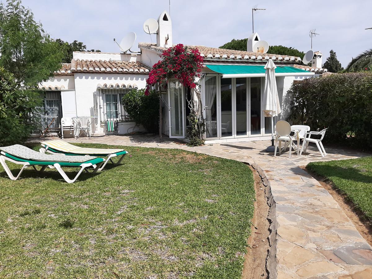 House in El Chaparral R3910588 4