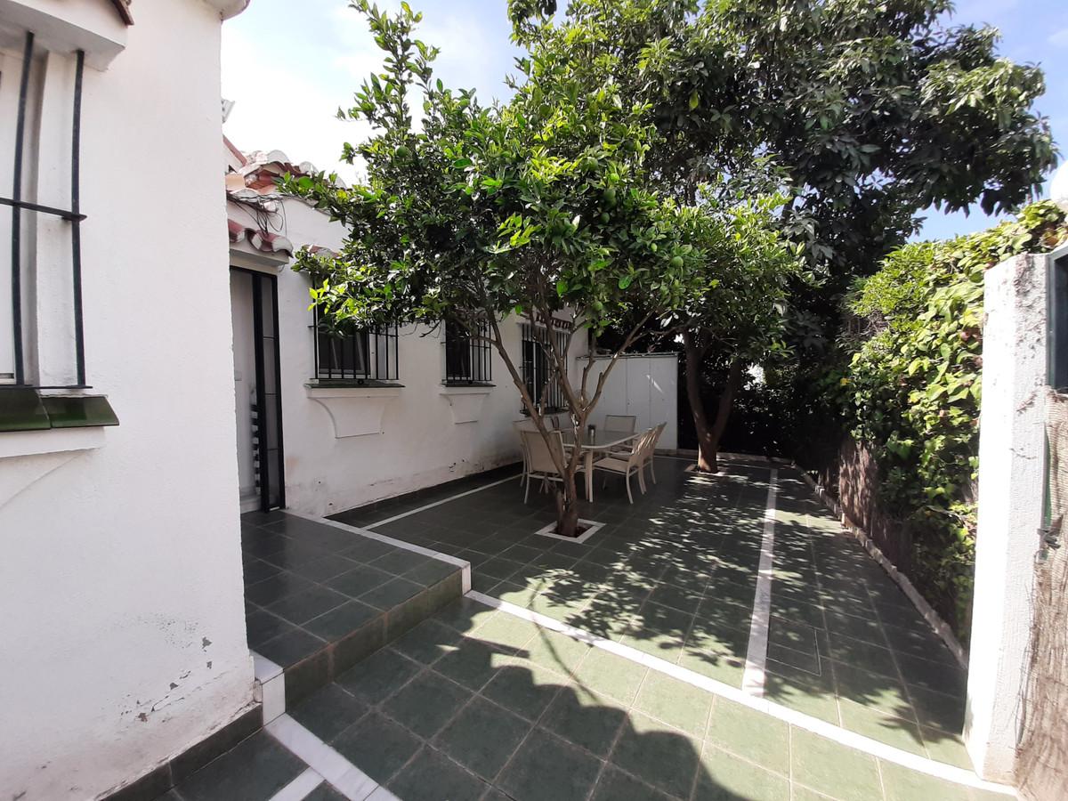House in El Chaparral R3910588 5