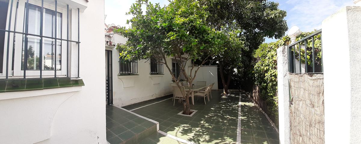 House in El Chaparral R3910588 7