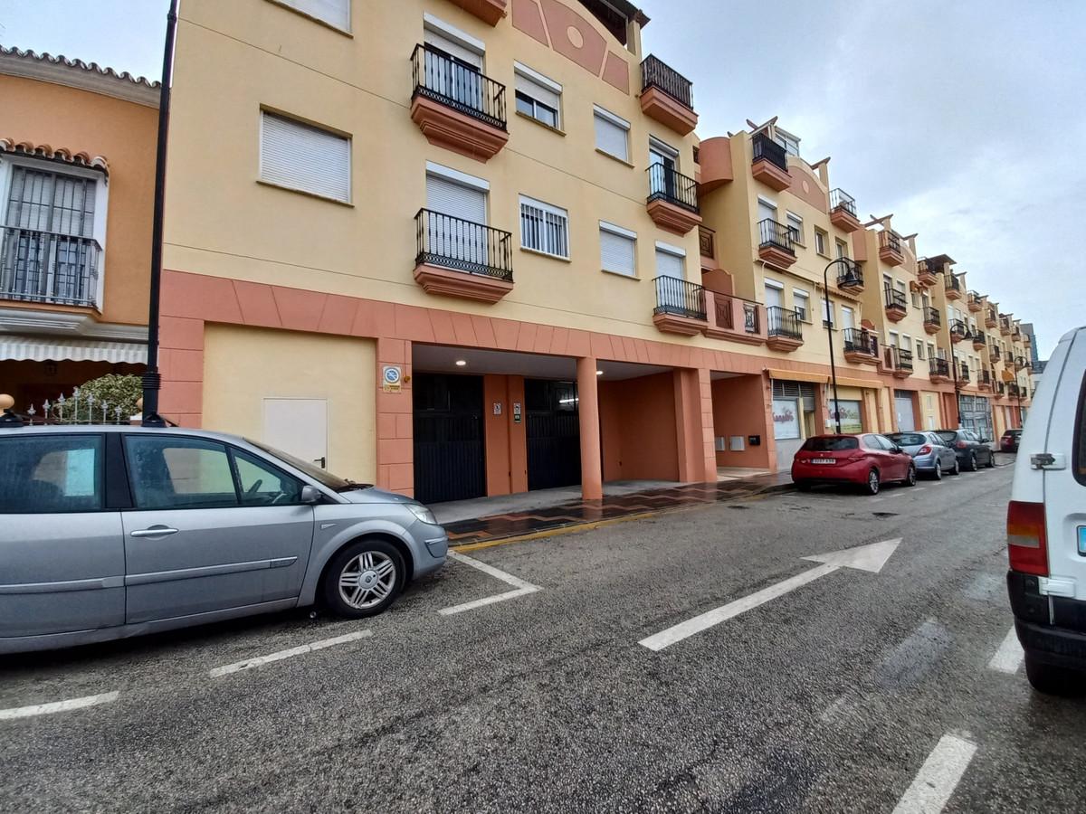 Parking place for sale in underground car park of Edificio La Canada, Las Lagunas,Spain