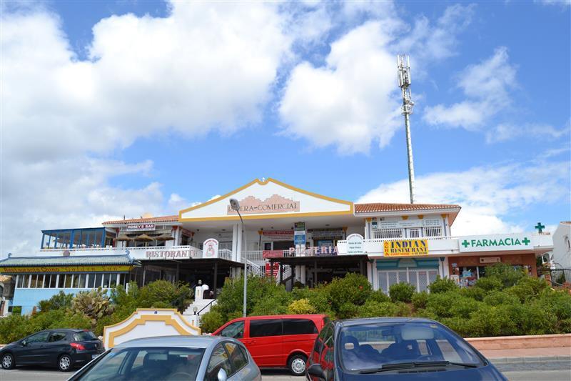 Commercial - Riviera Del Sol