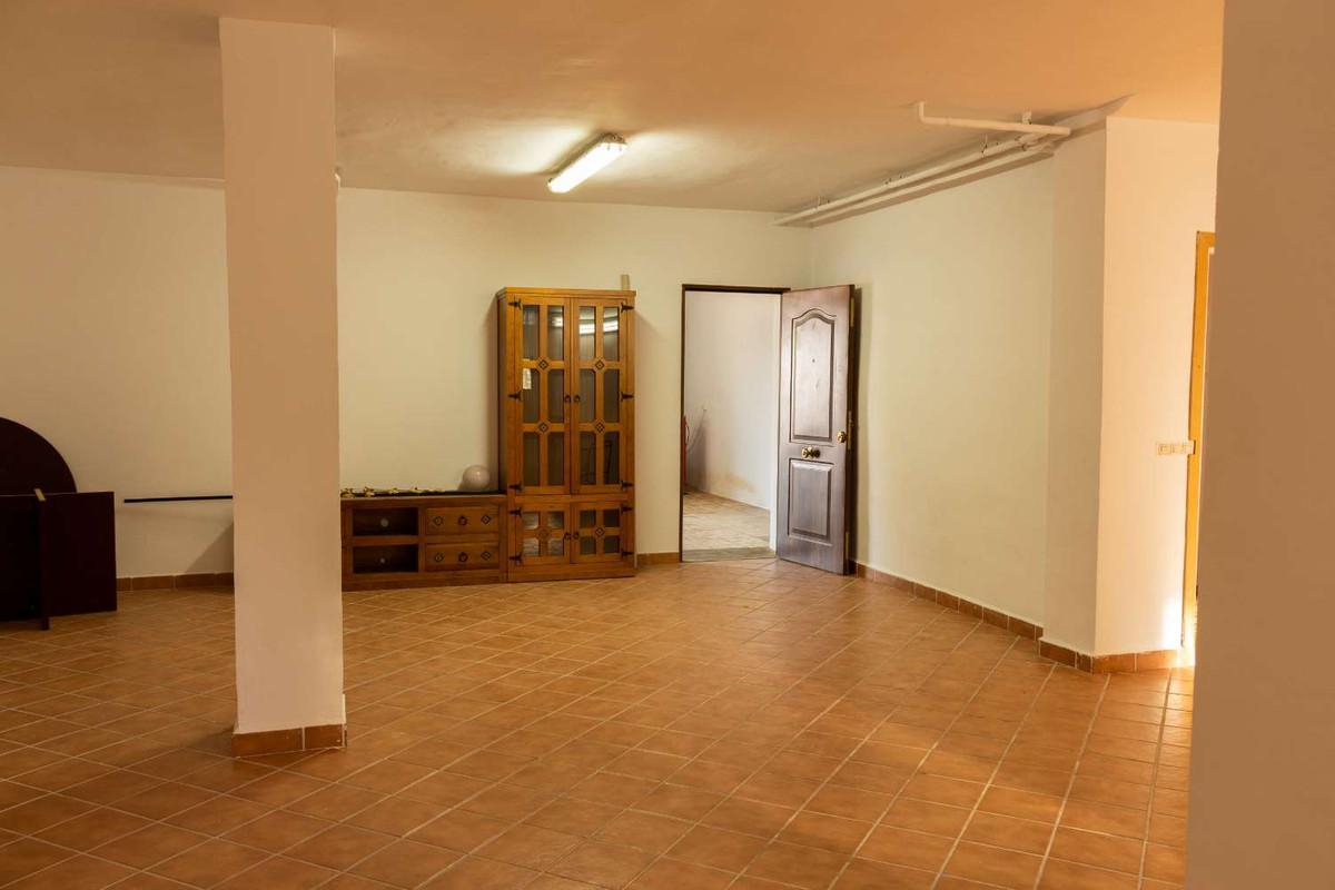 House in Alhaurín de la Torre R3788692 36