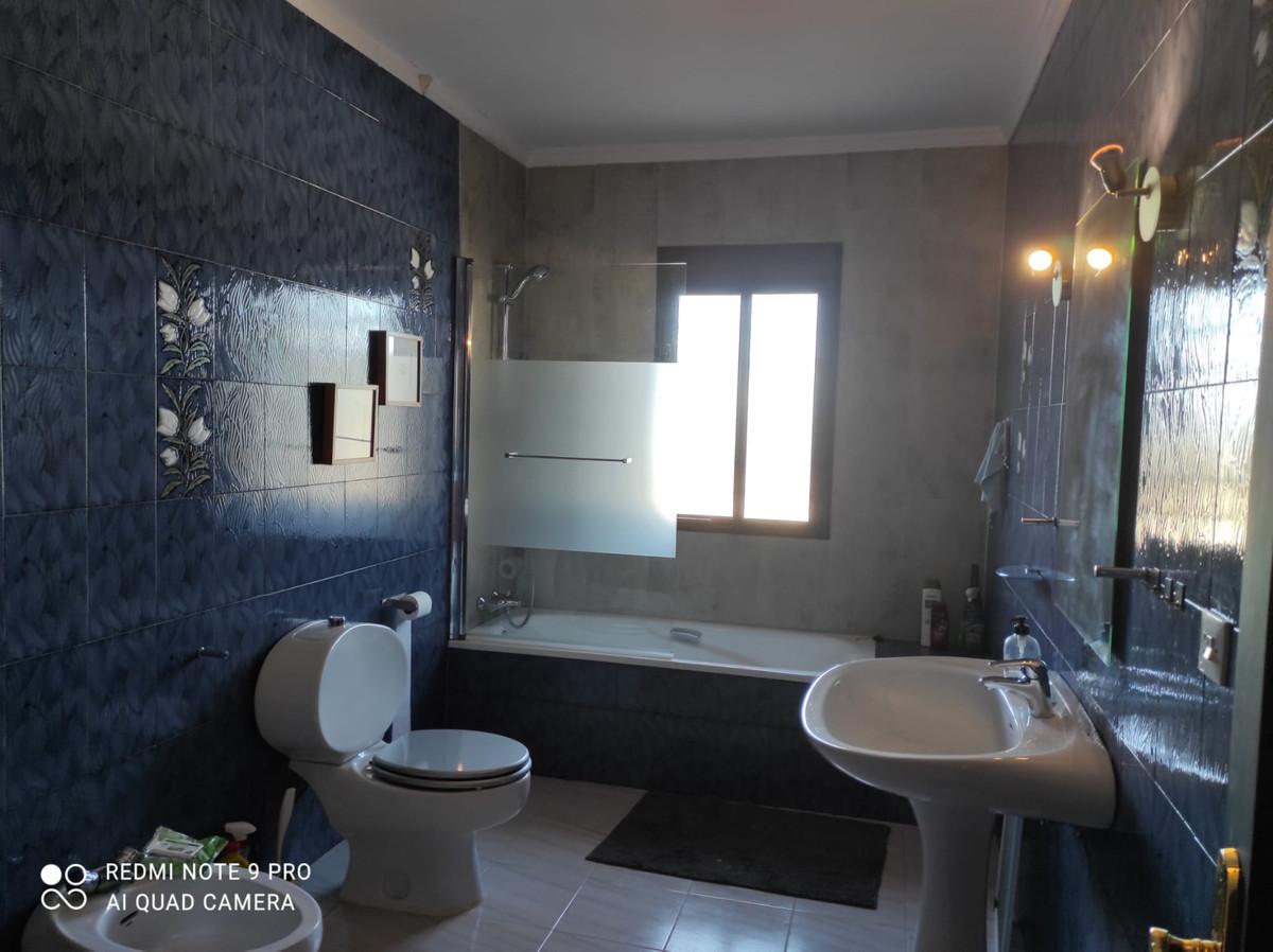 House in Alhaurín de la Torre R3787183 26