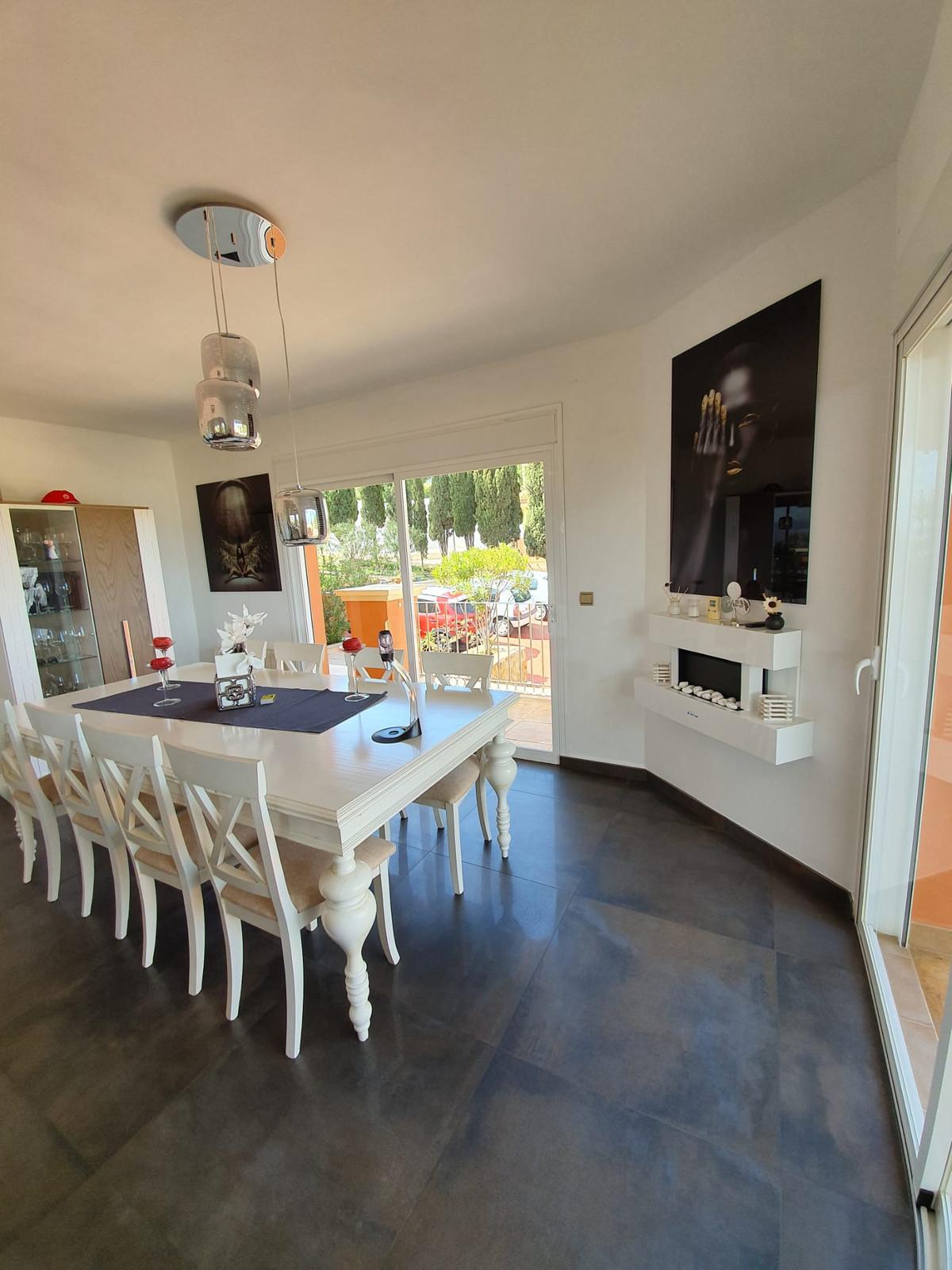 House in Alhaurín de la Torre R3798712 7