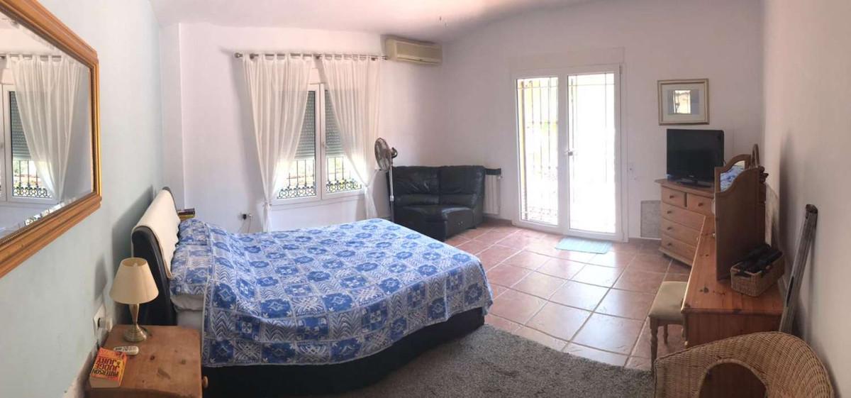 House in Alhaurín de la Torre R3838015 26