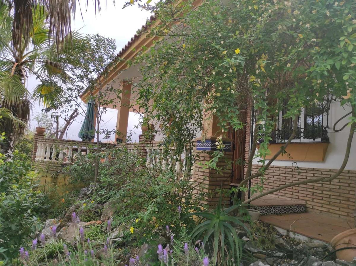 House in Alhaurín de la Torre R3838015 47