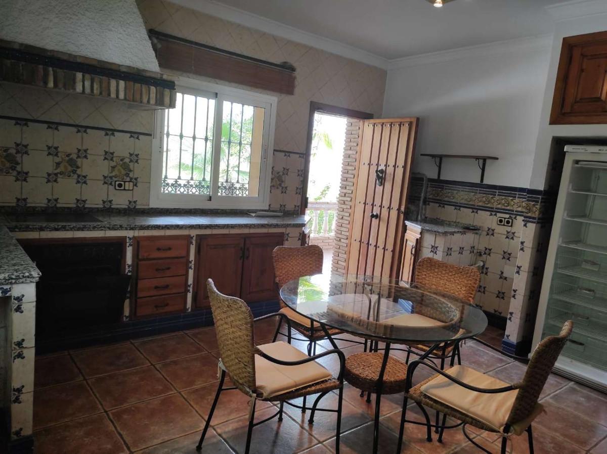 House in Alhaurín de la Torre R3838015 9