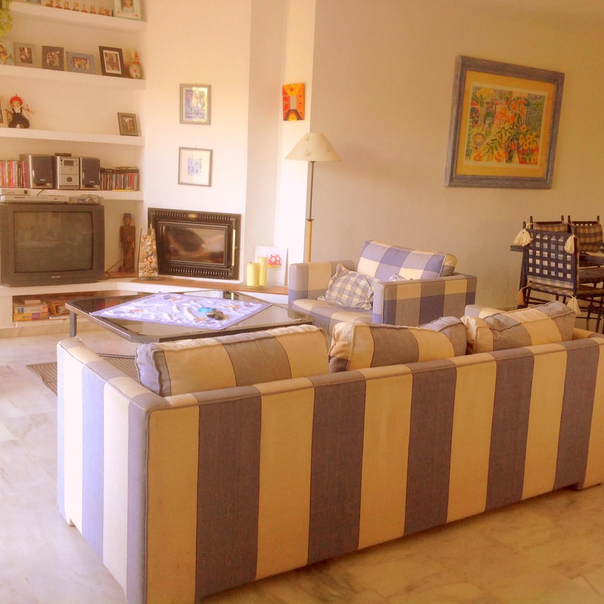Apartment  Penthouse for sale   in Elviria