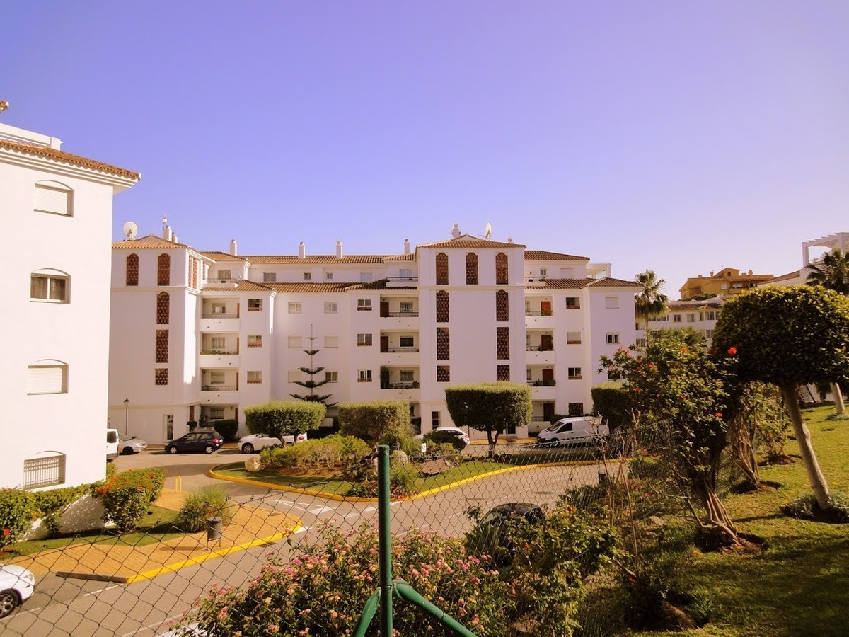 Nice and cosy apartment in the well-known urbanization Gran Calahonda only 5 minites walk to the bea,Spain
