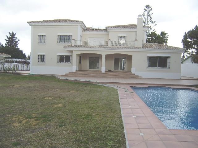 Villa 5 Dormitorios en Venta Cancelada