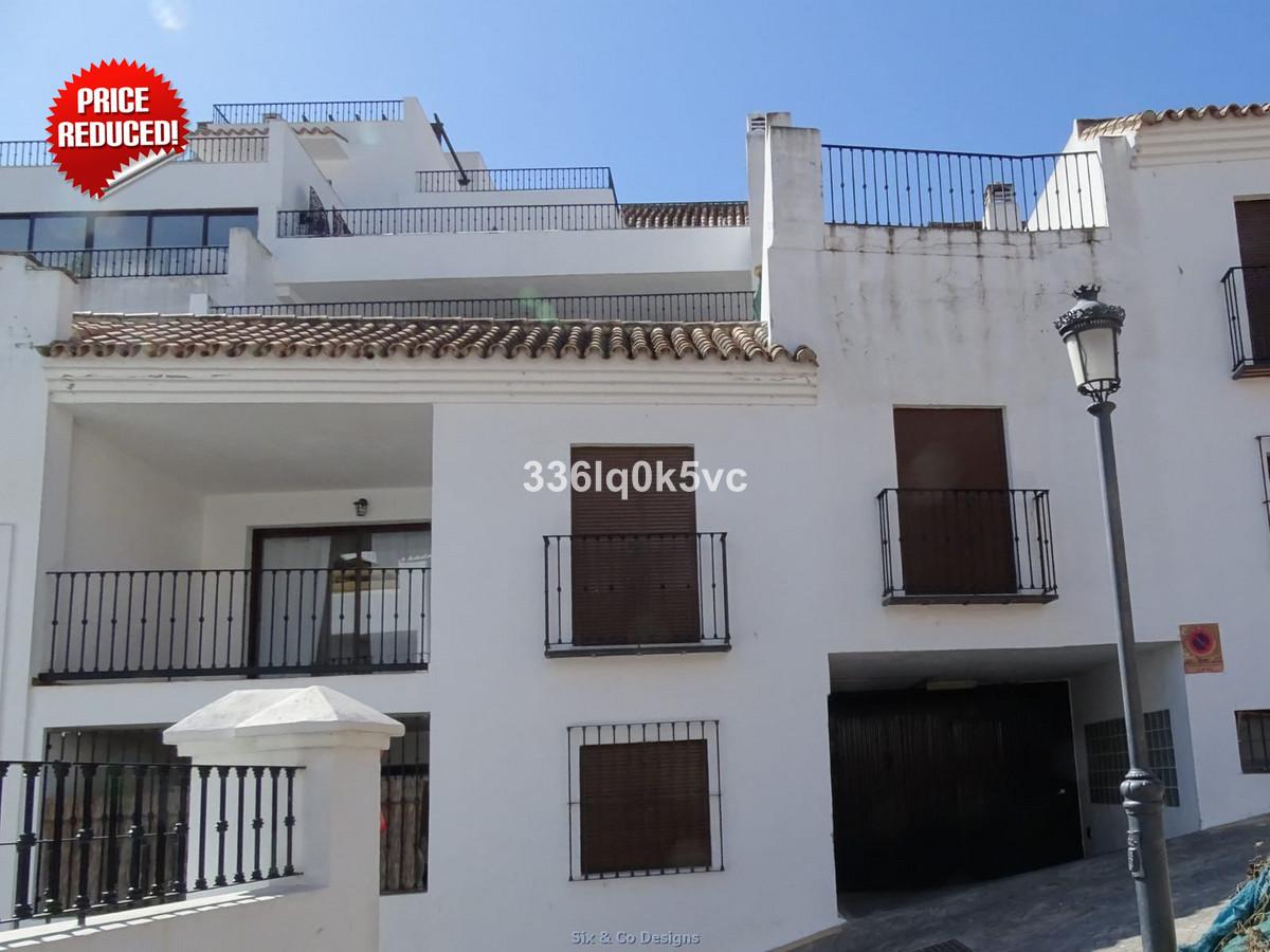 Appartement, Mi-étage  en vente    à Benahavís