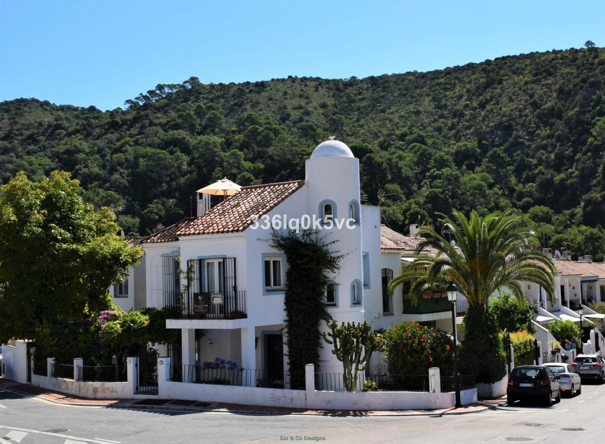 Andalucian corner 3 bedroom Townhouse in the village Benahavis Small urbanisation set in the river v,Spain