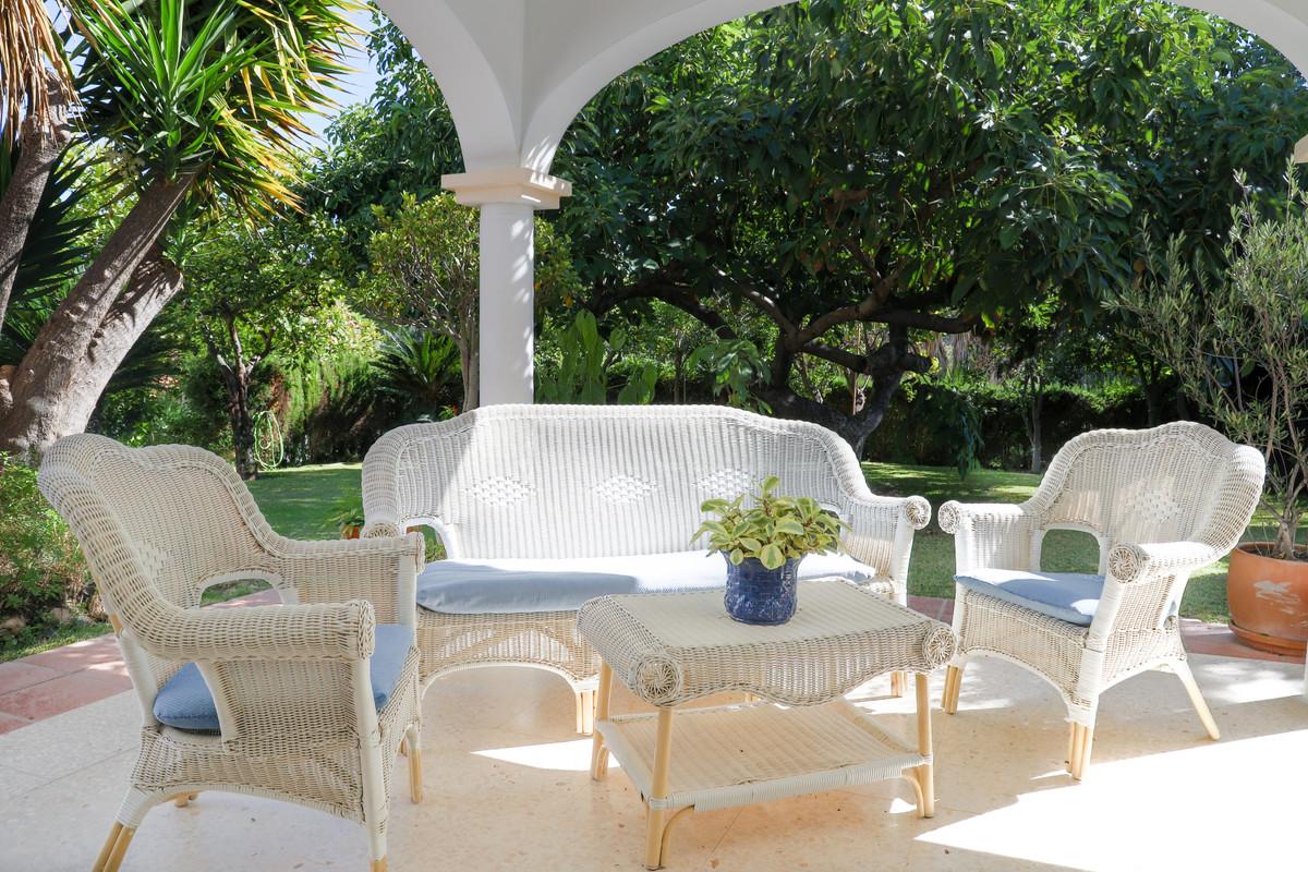 House in Aloha R3733435 7